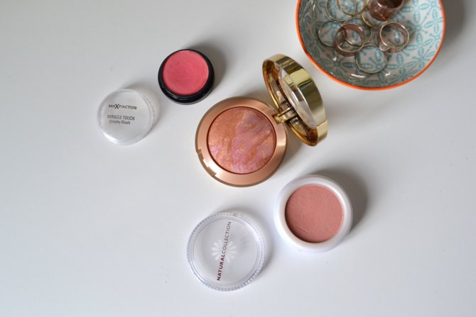 Max Factor Miracle Touch Creamy Blush in Soft Pink