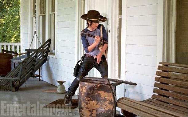 """The Walking Dead 4x09 """"After"""" Promos, Sneek Peeks y Spoilers The-Walking-Dead-4x09-Alone-Carlost-005"""