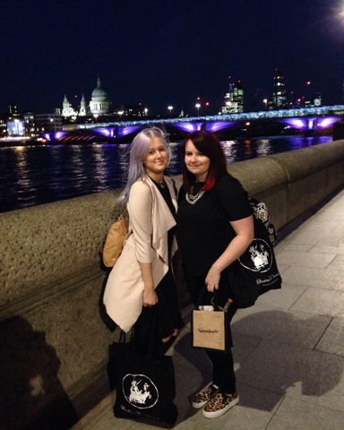 clothes, fashion, jacket, lifestyle, Luxemme, clothing, style, london, thames, shopping, purple hair, coloured hair, backpack, ripped jeans, jeans, girl