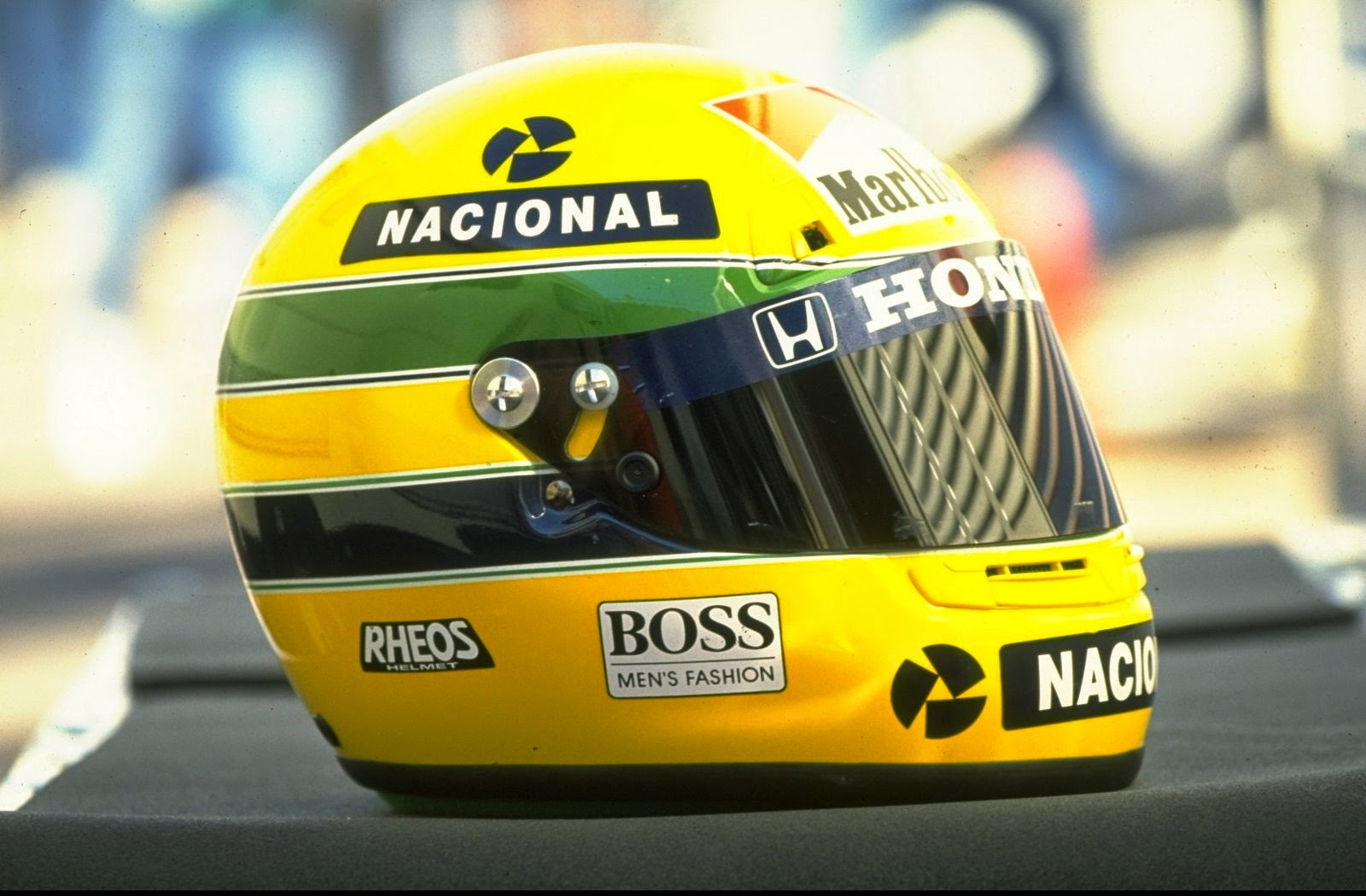 ayrton senna informa es sobre o capacete 1993 de ayrton senna logos temporada 1993 f1. Black Bedroom Furniture Sets. Home Design Ideas