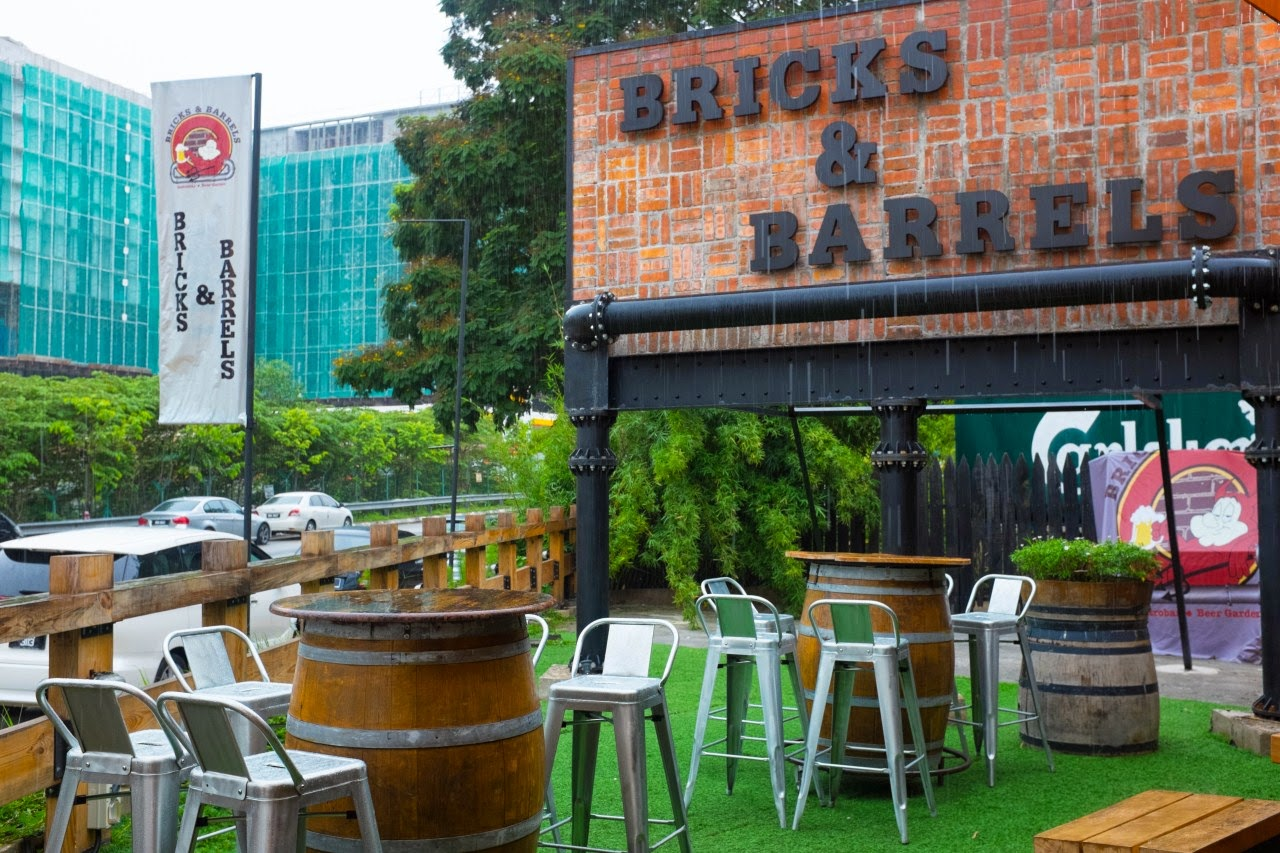 bricks_and_barrels_kl_hartamas_tables_and_chairs