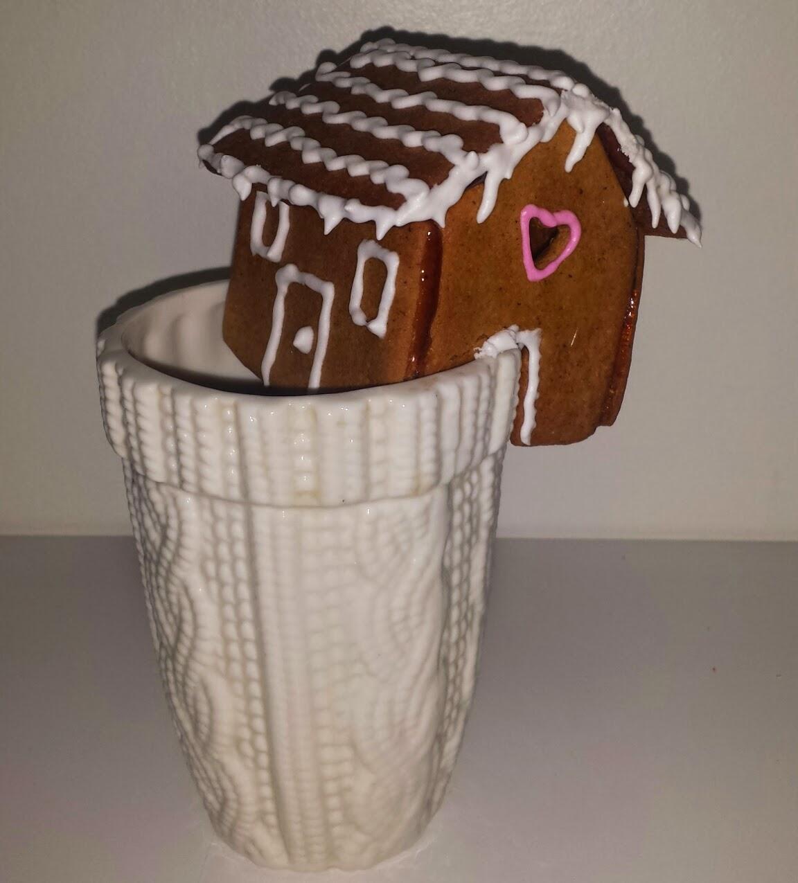 Pepparkakshus på koppen