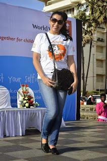 Pooja Bedi at World Vision walkathion for nutrition  (8).jpg