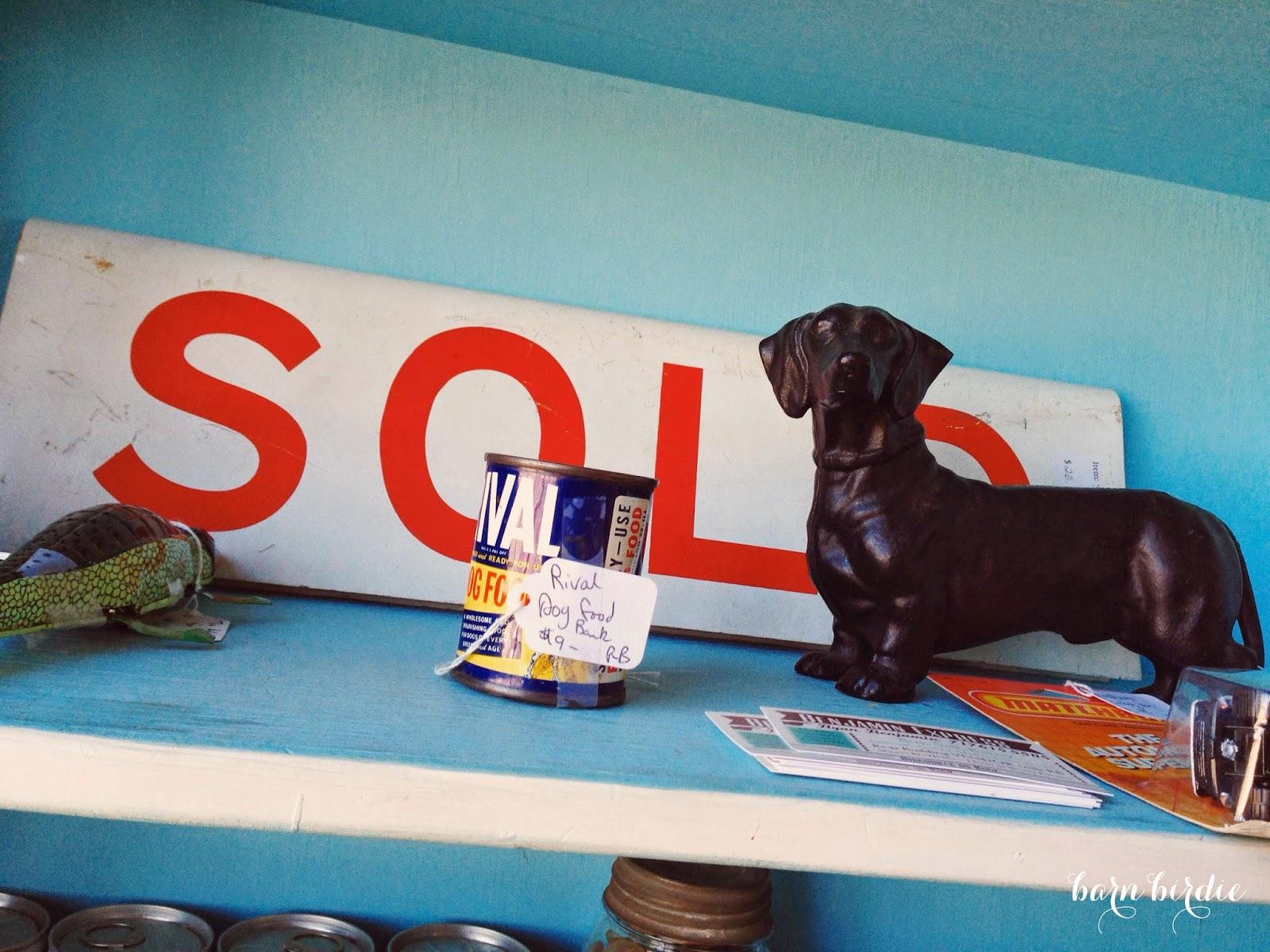 Vintage Signs, Cast Iron Dog