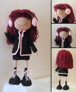 Вязаная кукла на каркасе Маргарита