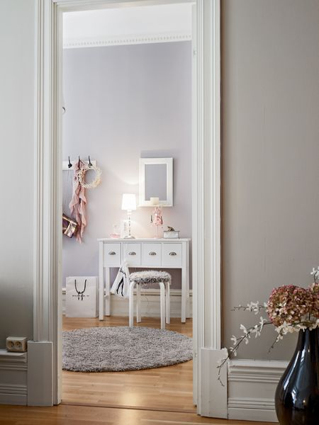 Simply Shabby Chic Blog Feminin Bedroom And Kitchen In Swedish Apartment