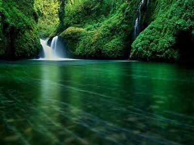 Gambar Air Terjun yang Indah