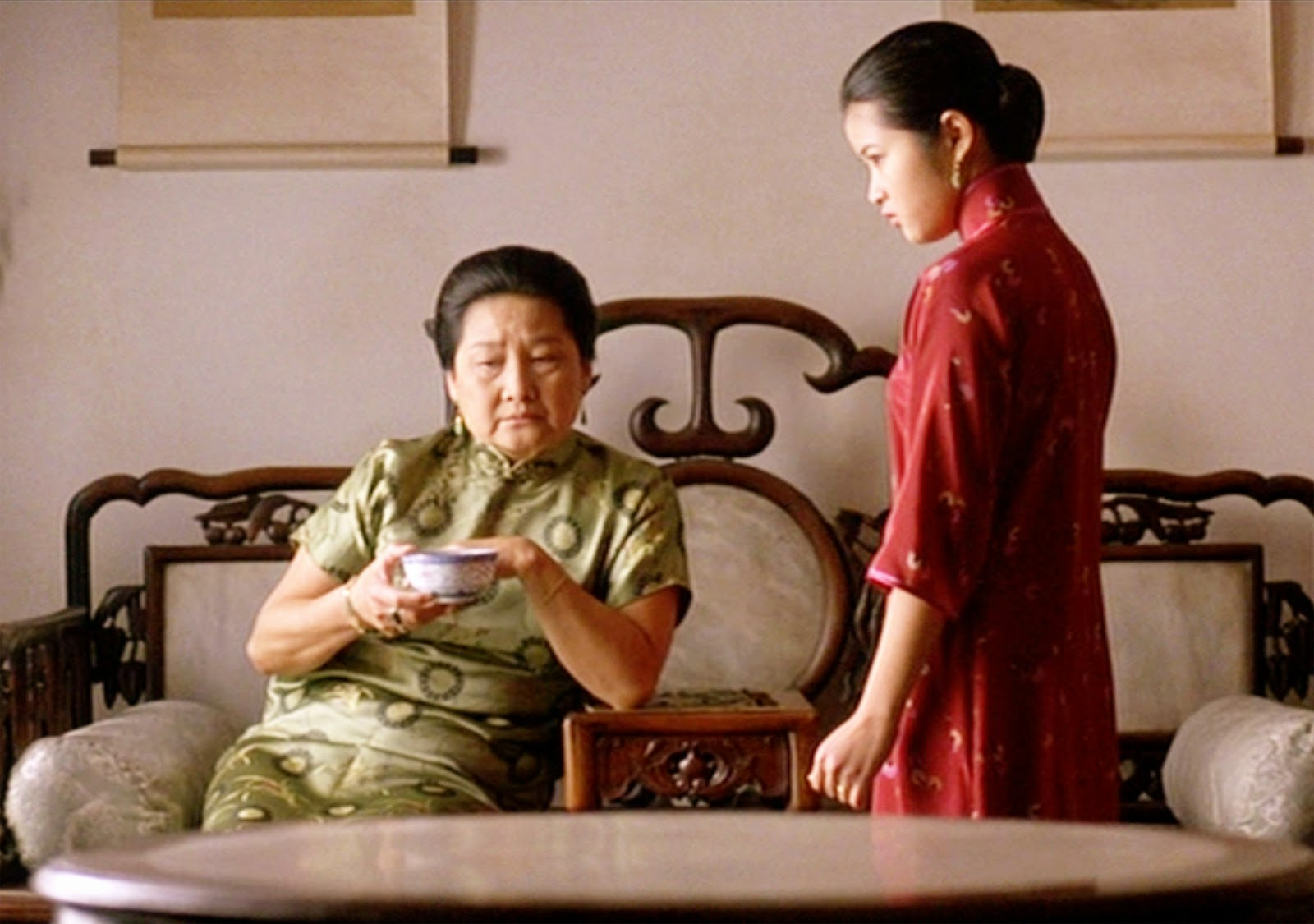 joy luck club the page of  the movie the joy luck club based upon the novel by amy tan directed by wayne wang seen here from left guo rong chin as huang taitai