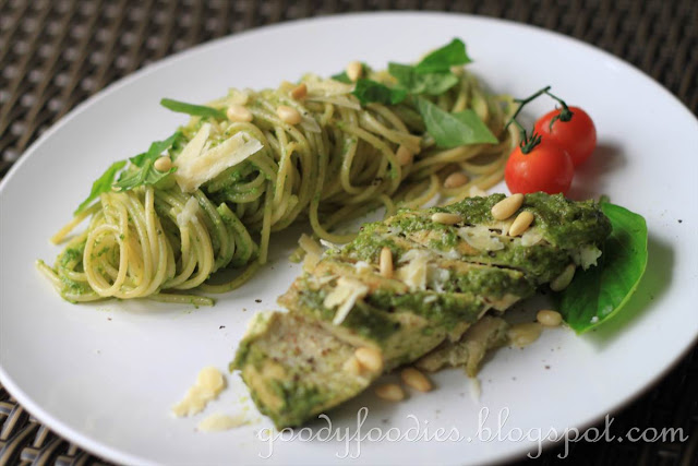 GoodyFoodies: Recipe: Pesto-glazed chicken breast with pesto spaghetti ...