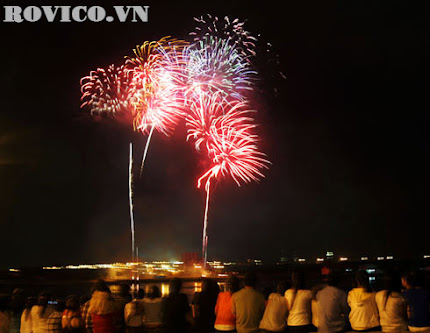 TP.HCM đề nghị bắn pháo hoa tầm cao mừng năm mới 2014
