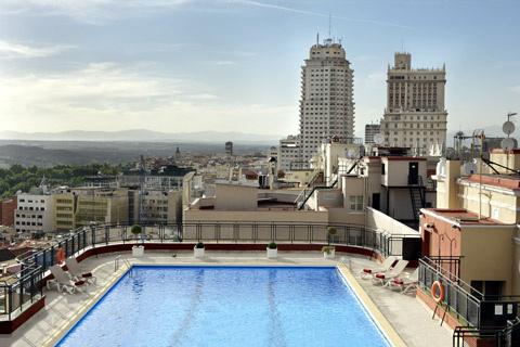 Superfluo imprescindible julio 2012 - Piscina hotel emperador ...