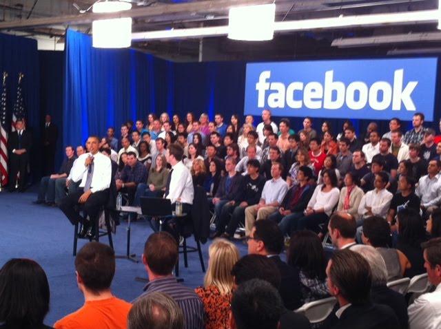 zuck obama 2 [UPDATE] Foto   Foto Kunjungan Barrack Obama Ke Kantor Pusat Facebook