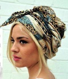 le blog de la socio coiffure le foulard la pi ce tendance de cette saison. Black Bedroom Furniture Sets. Home Design Ideas