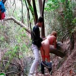 Fudendo a prima no mato - http://videosamadoresdenovinhas.com
