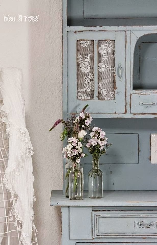 eye for design decorating with blue painted furniture