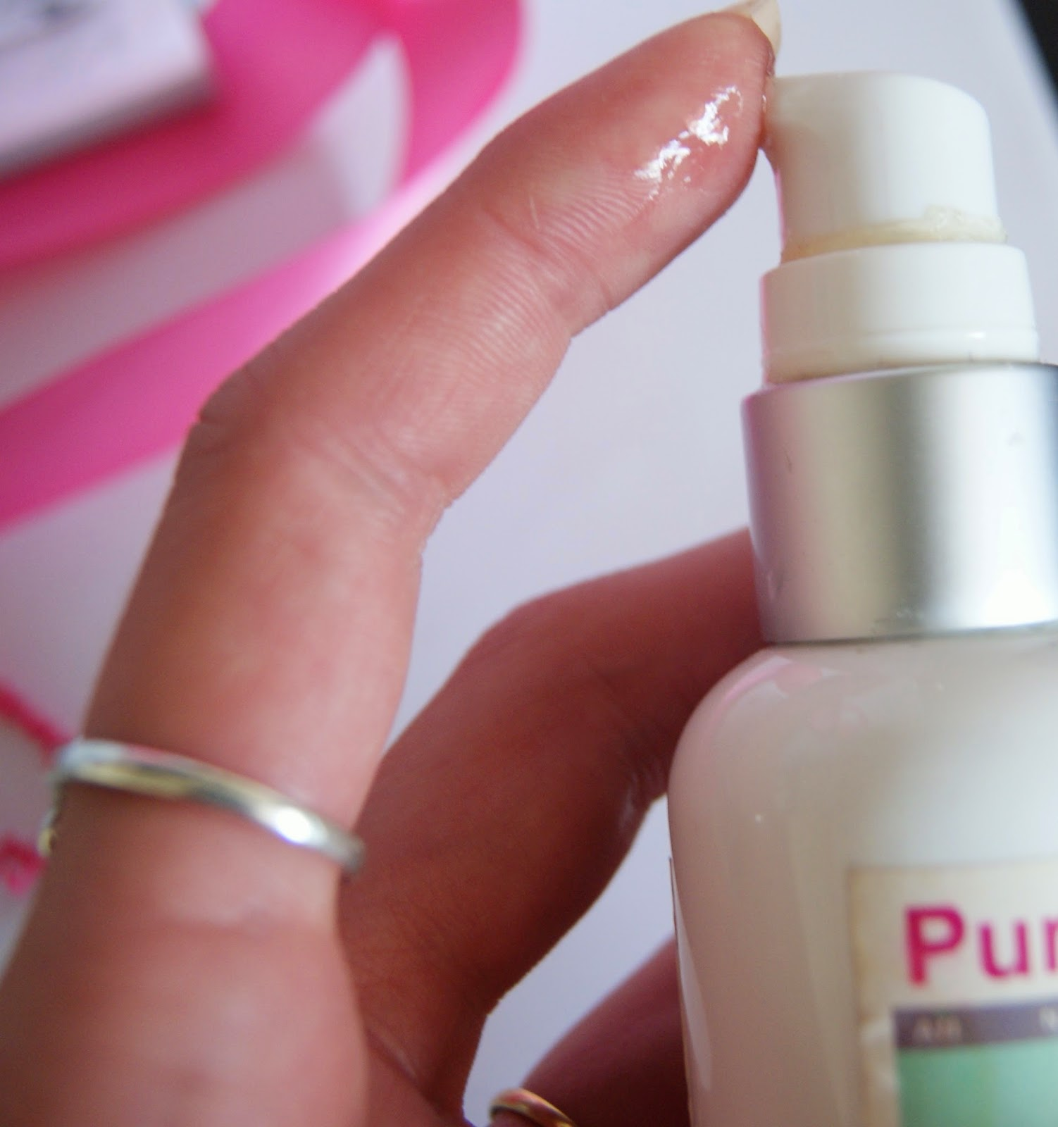 Pure + Simple Hydration Serum Review, Skincare, Beauty, Melanie_Ps, The Purple Scarf, Toronto, Ontario, Canada, Face, Facial, Skin, Blemishes, redness