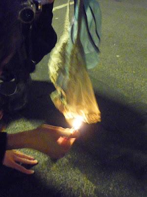 bakar seluar dalam