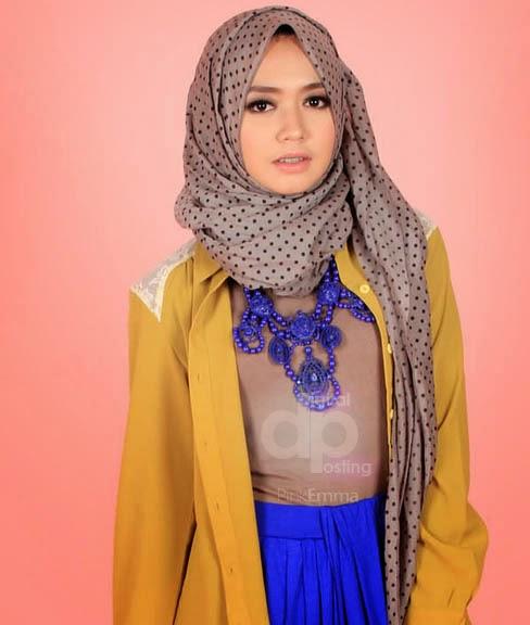 Trend 2. Model Hijab Modern Cantik Ala Dini Djoemiko image
