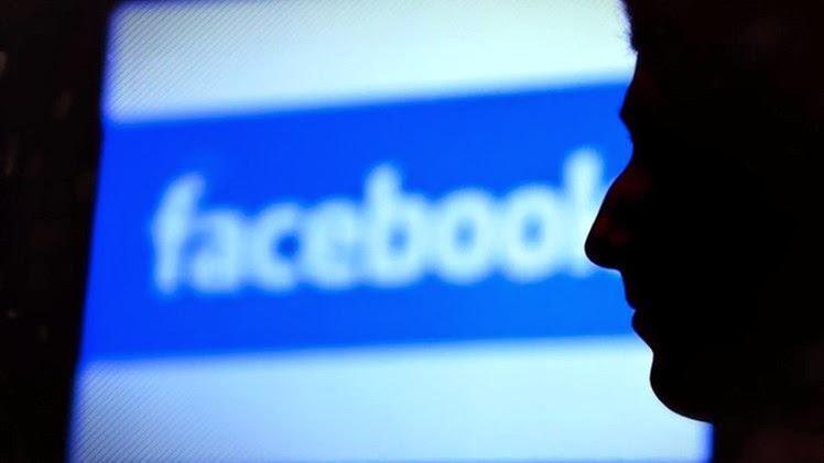 """""""Desde el 1 de enero Facebook ya no es un lugar para los amigos, sino para la NSA"""""""