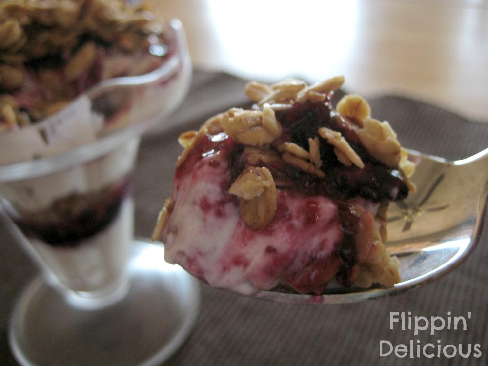 Sweet Twist of Blogging: Recipe Swap : Blueberry & Yogurt Parfait.
