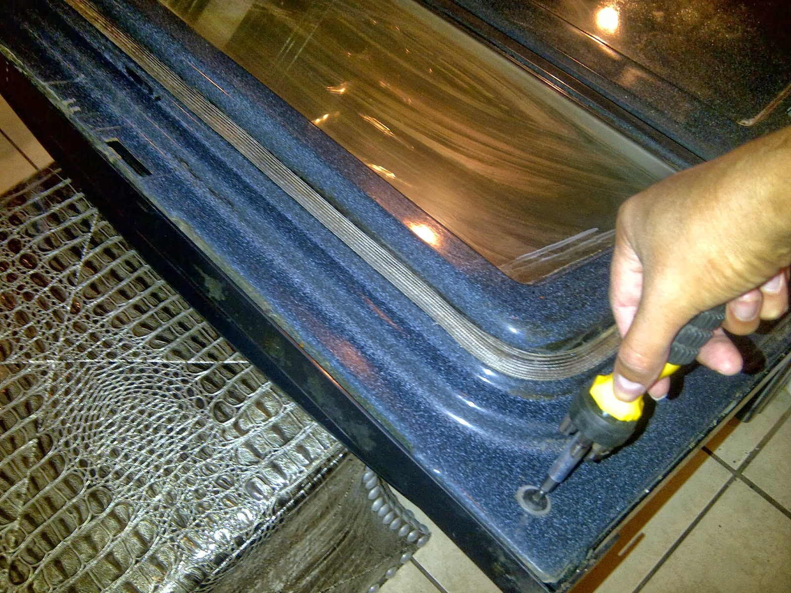 Clean Your Whole Oven Even Between The Glass Panels Jordans