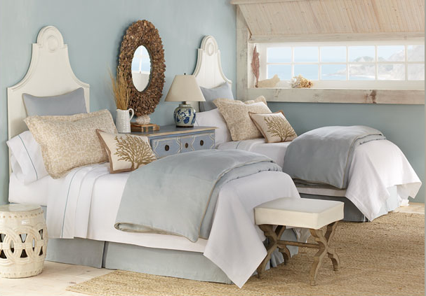 Beautiful guest bedroom twin beds maison liz r for Beautiful beds