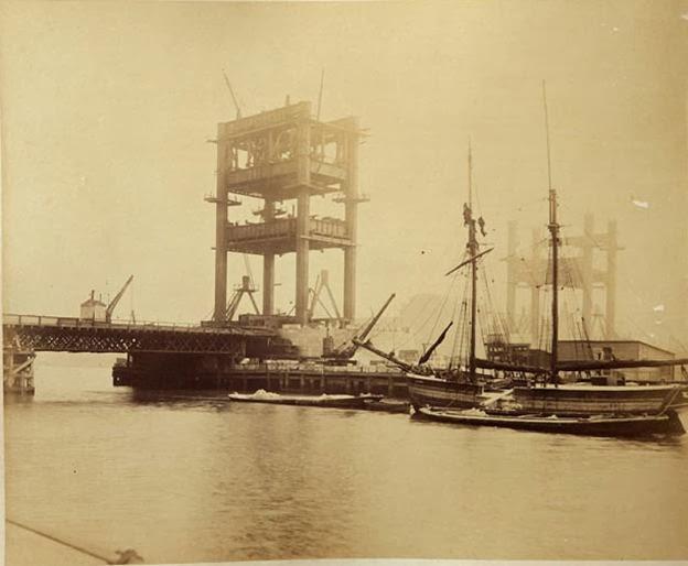 Fotografías de la construcción del Tower Bridge