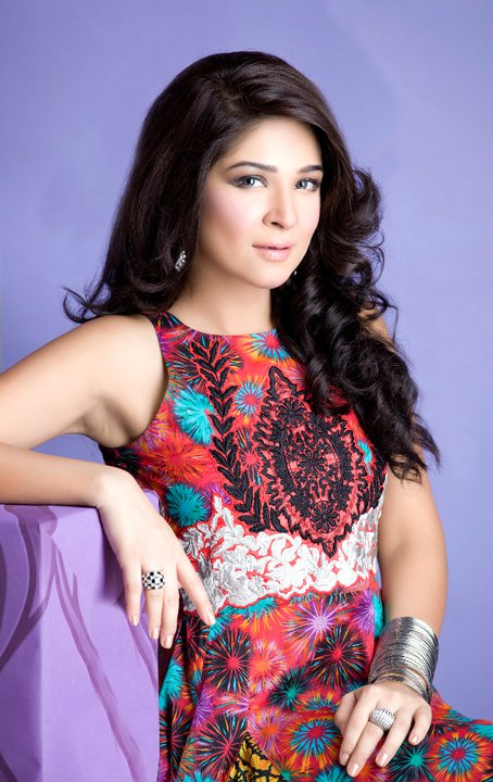 Mix Wallpaperz: Ayesha Omerayesha omer on facebook 