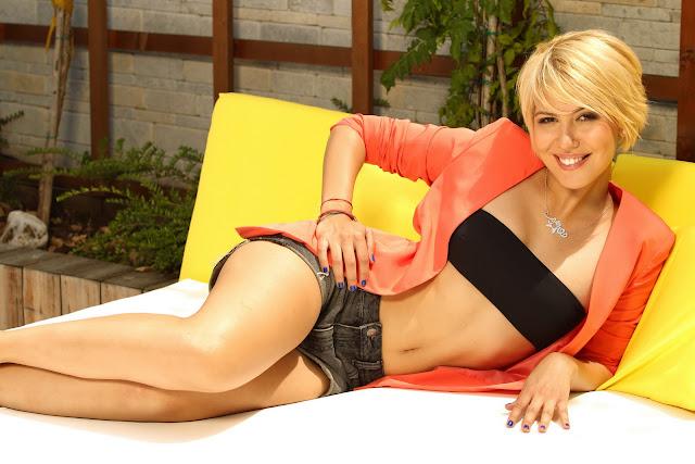 Sore Mihalache in bikini