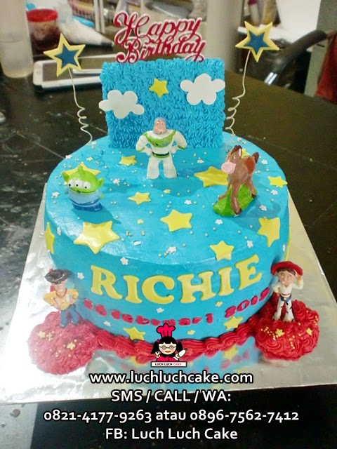 Kue tart Toy Story Buttercream