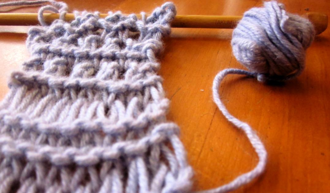 un-BLOG-evable: knitting lessons!