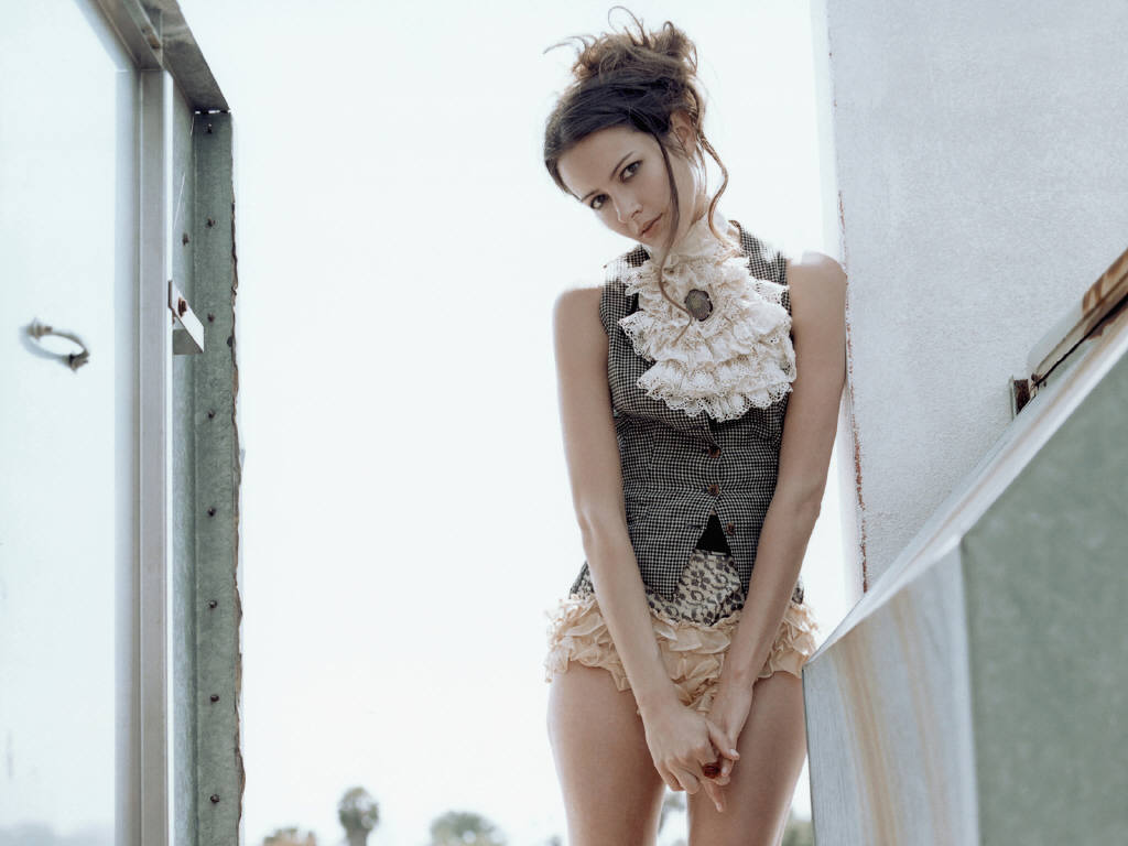 Amy Acker Nude Photos Complete amy acker profile,biography and latest pictures/photos 2012-2013