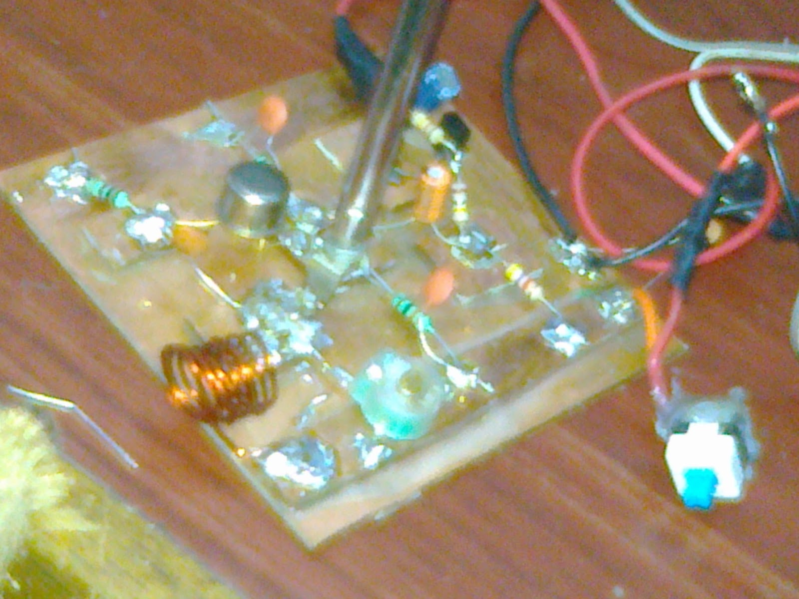 Some Of My Experiment With Science Long Range Fm Transmitter How To Build 2 Transistor Voice A Side Photo The Circuit
