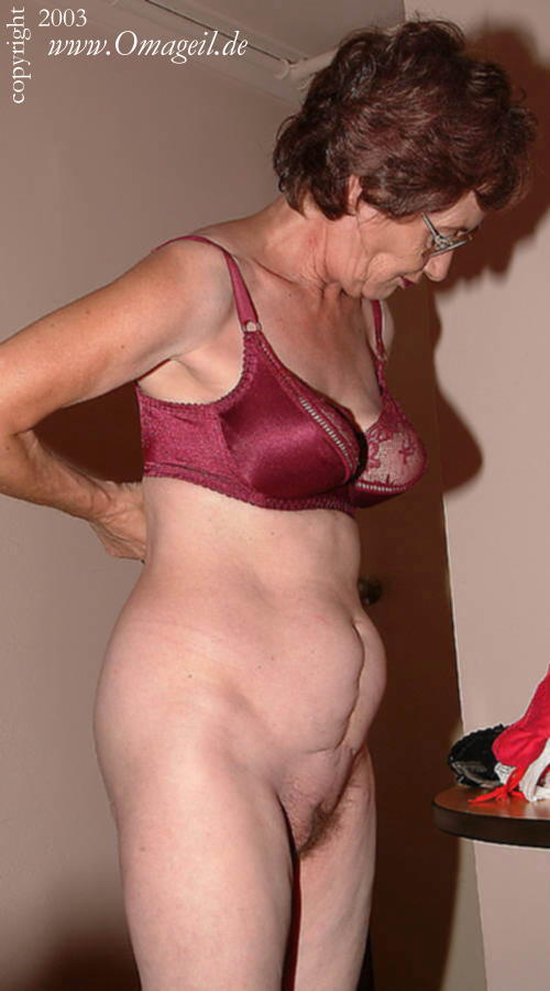hot-granny-nudist