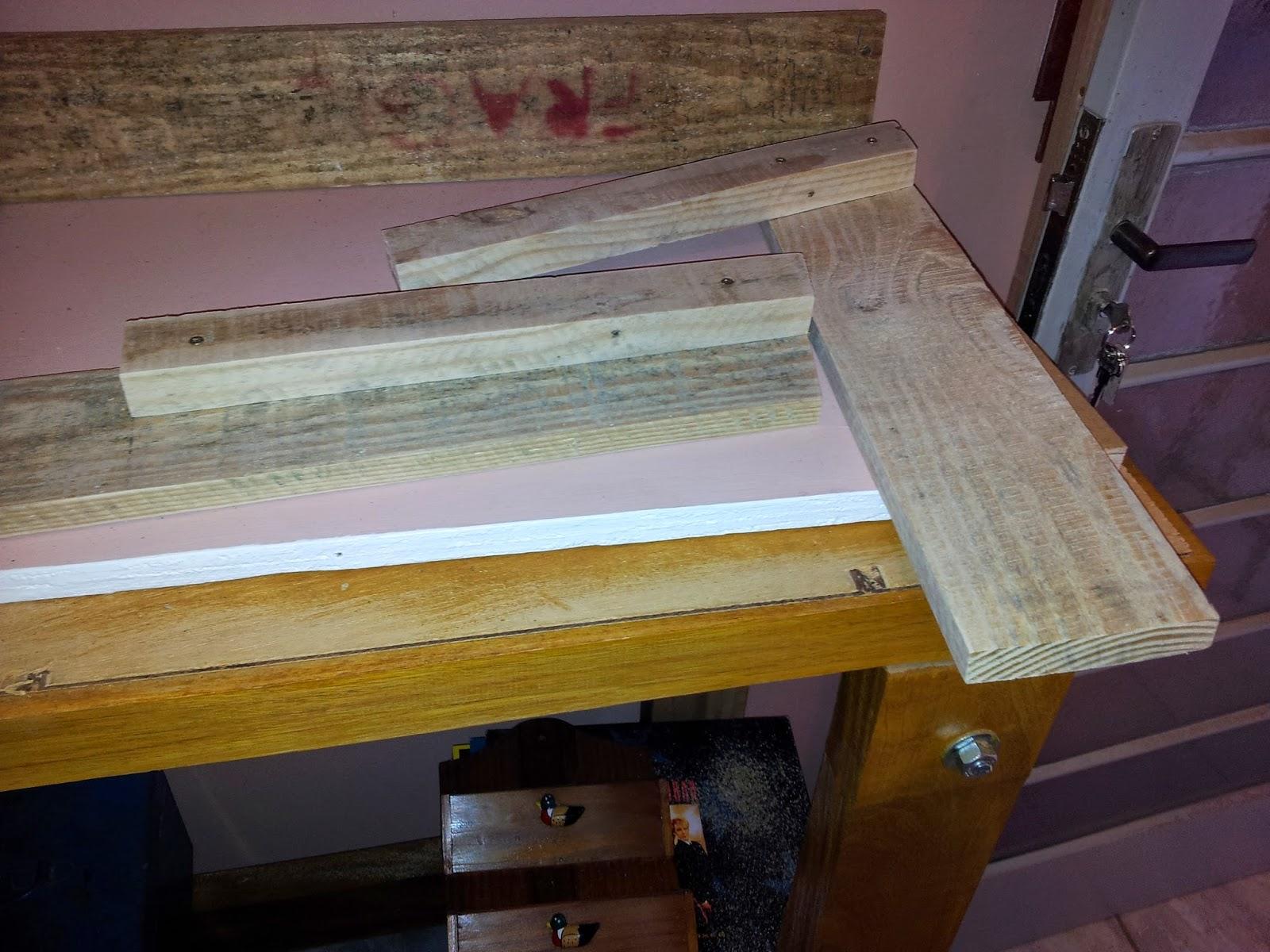 Oficina do Quintal: Como fazer banco de madeira com encosto #866931 1600x1200