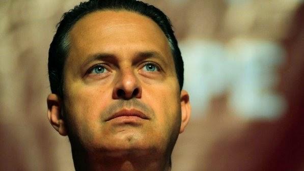 Eduardo Campos saindo da vida para entrar na História.