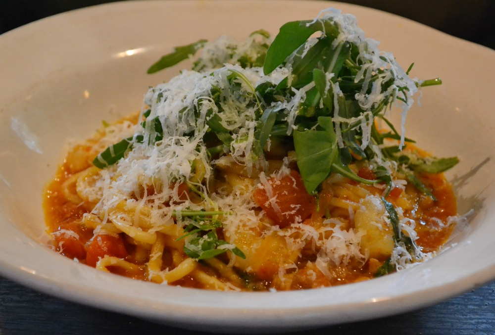 Jamie's Italian Glasgow prawn linguine pasta