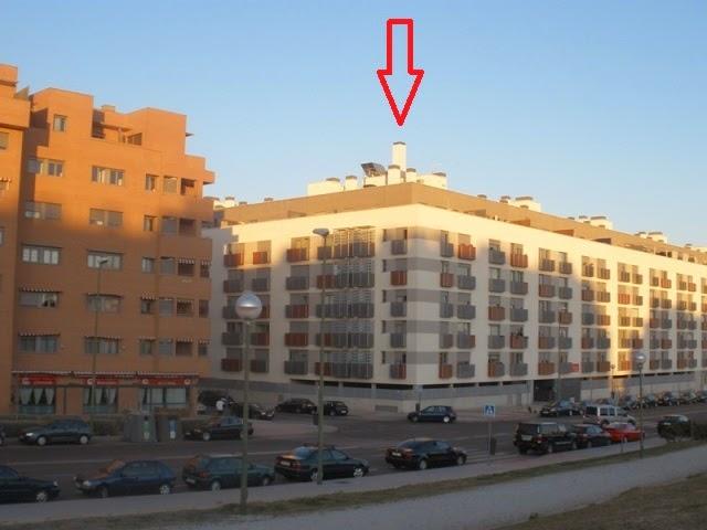 Otro edificio del Santander en las tablas con antena camuflada