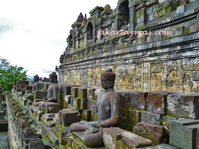 Budas en el Borobudur