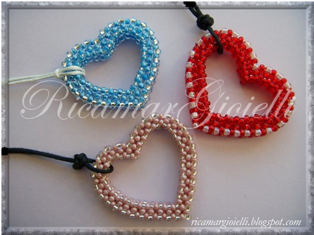 cuore in RAW right angle weave