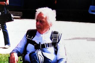 Nenek terkuat di Dunia