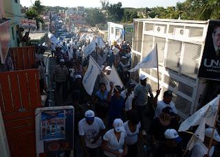 PRD desarrolla masiva marcha caravana en Santo Domingo Este; Luis Abinader encabeza recorrido