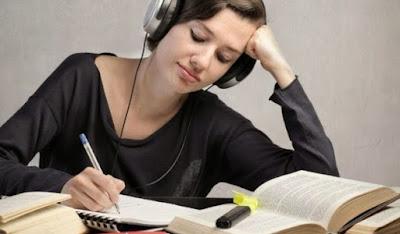 5 Kebiasaan Unik Mahasiswa ketika Belajar