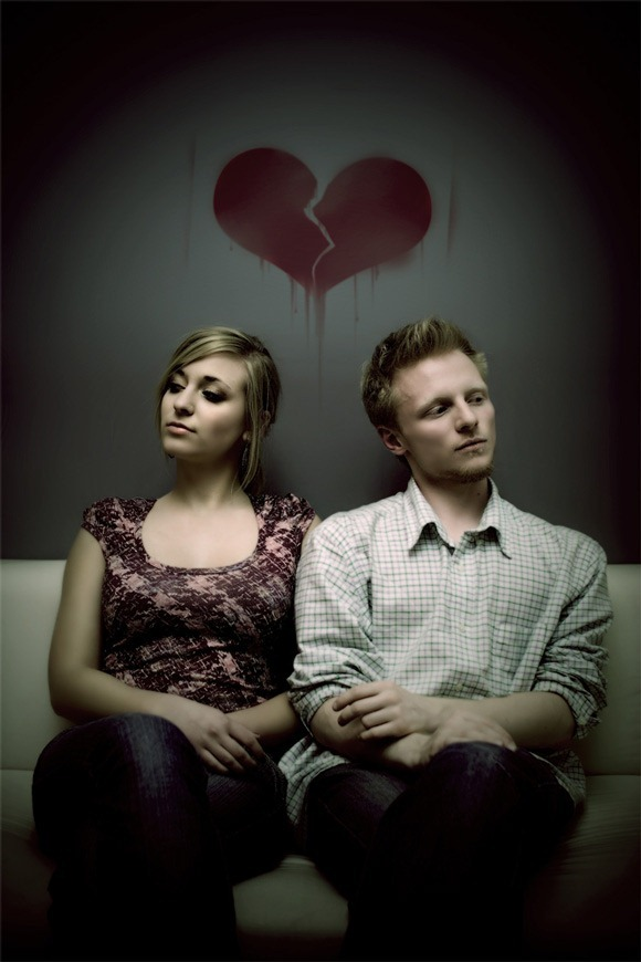 25 Painful Love Broken Heart Pics