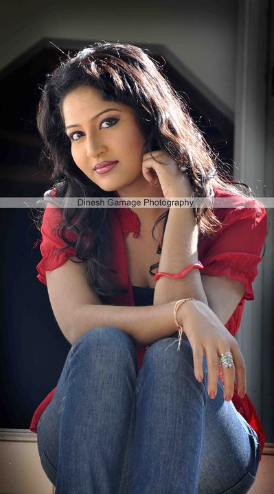 Srilankan Hot actress Lochana Imashi