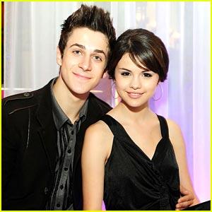 Selena Gomez  David Henrie on Wizards Of Waverly Place  Co Stars Selena Gomez And David Henrie
