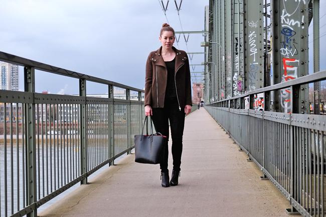 Khaki Kurzjacke, Südbrücke Köln,  Zara-Look