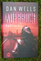 http://lenasbuecherwelt.blogspot.de/2014/07/rezension-dan-wells-partials-01-aufbruch.html