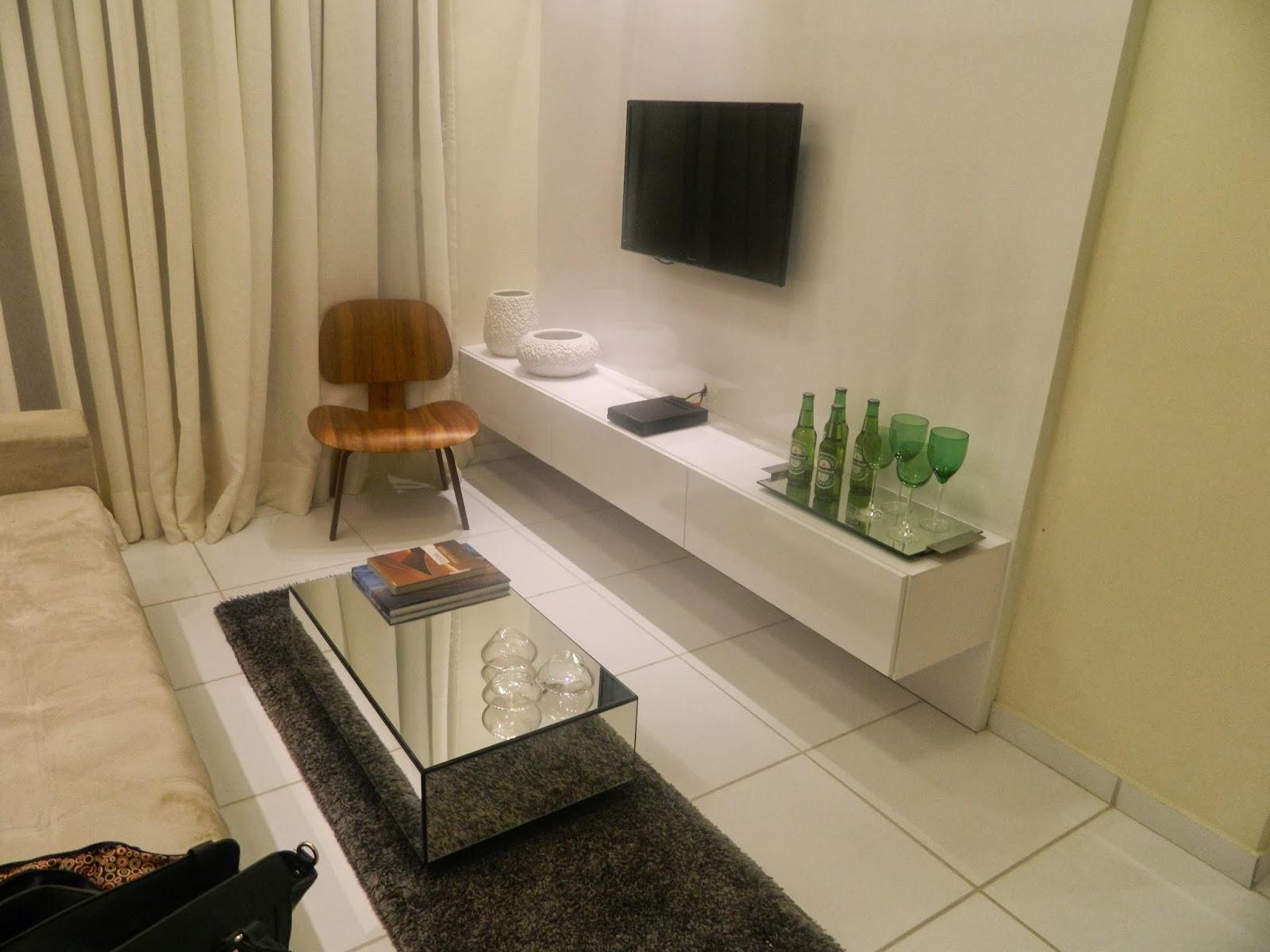 Sala Pequena Com Sofa E Poltrona Sala Com Estilo Masculino Toda  -> Poltronas Na Sala De Estar Pequena