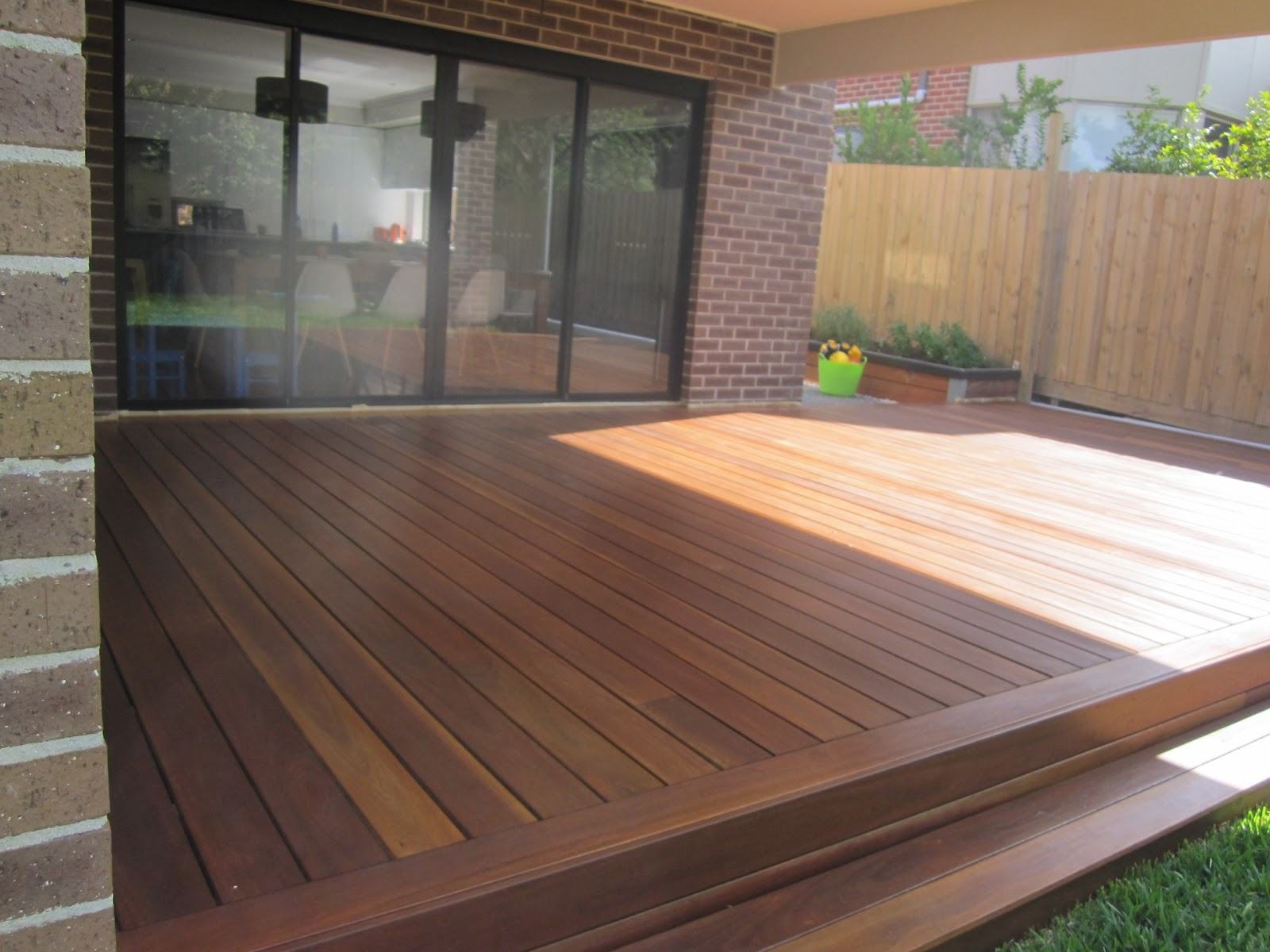 Cam kirsten building our new home with metricon deck for Pre made timber decking